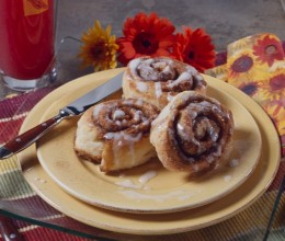 Removing trans fats: Cinnamon buns made with canola oil